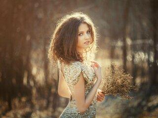IoannaTomson shows jasmine pics